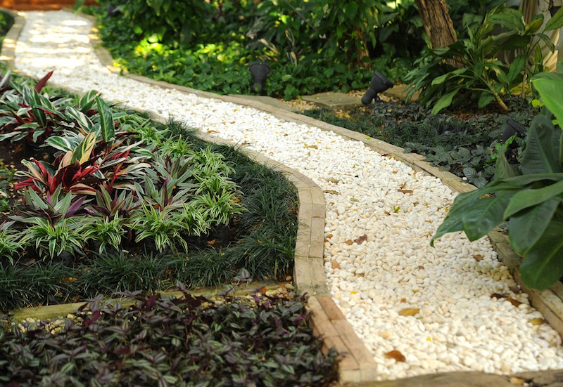 Garden path ideas acacia gardens - Garden pathway design ideas with some natural stones trails ...